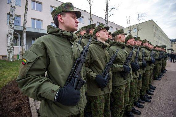 Eimanto Genio nuotraukos/Vilniuje ir Kaune prisiekė 140 jaunesniųjų karininkų vadų mokymų dalyvių