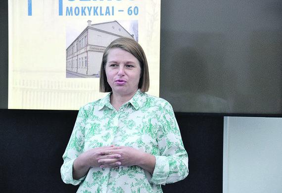 """Audronės RISAKOVIENĖS/muge.eu nuotr./G. Kaziukonienė. Be jos pagalbos sunkiai įsivaizduojamas knygos ,,gimimas""""."""