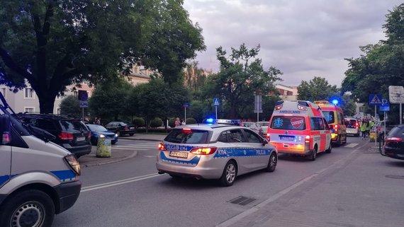 Violetos Grigaliūnaitės/15min nuotr./Lenkijos policija ir greitoji pagalba