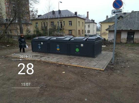 15min skaitytojos Ramunės nuotr./Sutvarkyti konteineriai šalia S.Dariaus ir S.Girėno g. 5C