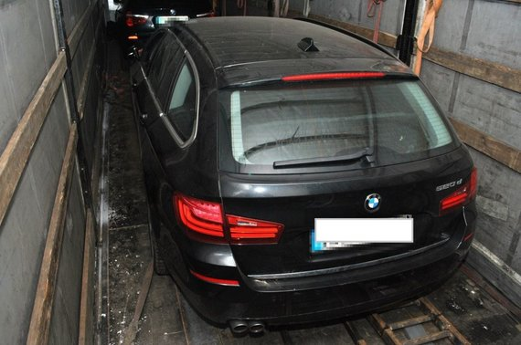 Podlaski OSG nuotr./Lenkijoje sulaikytas lietuvis su vogtais BMW