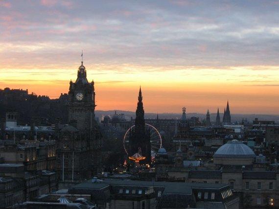123rf.com nuotr./Gražiame Škotijos mieste nuolat daug renginių, bet vienas įsimintiniausių Edinburgo alternatyvaus meno festivalis
