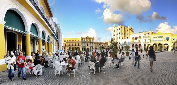 123rf.com nuotr. /Havanos kavinės