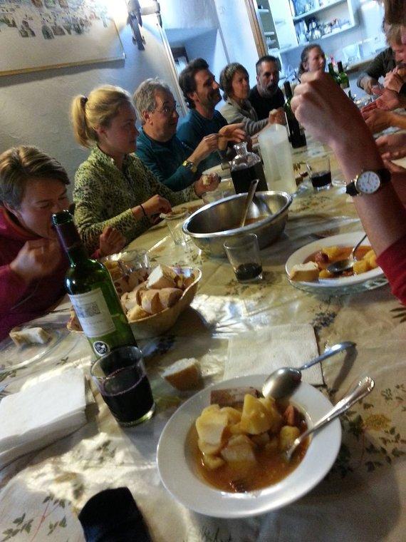 Ch. Kim nuotr./3. Bendros vakarienės – viena smagiausių kelionės dalių