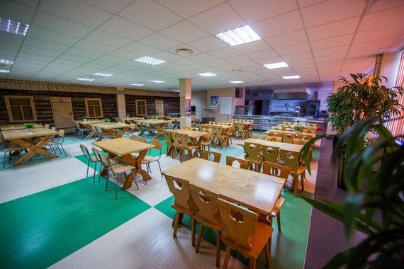 Luko Balandžio / 15min nuotr./M.Biržiškos gimnazijos valgykla