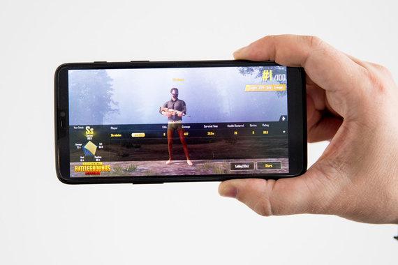 """Luko Balandžio / 15min nuotr./Išmanusis telefonas """"OnePlus 6"""""""