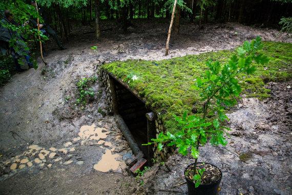 Luko Balandžio / 15min nuotr./K.Markevičiaus ir Gedimino Armonavičiaus atstatytas bunkeris