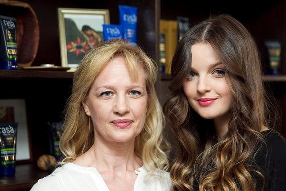Viganto Ovadnevo/Žmonės.lt nuotr./Gabrielė Martirosianaitė su mama Lina