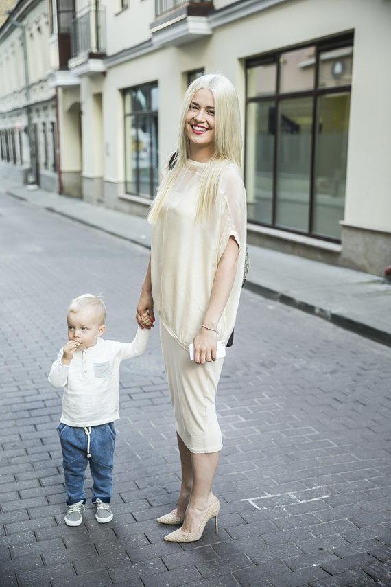 Viganto Ovadnevo/Žmonės.lt nuotr./Sandra Šernė su sūnumi