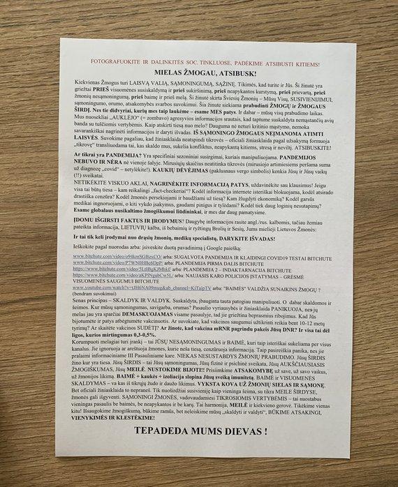 Justo Džiugelio nuotr./Tokį raštą Seimo nariui Justui Džiugeliui perdavė vilnietė