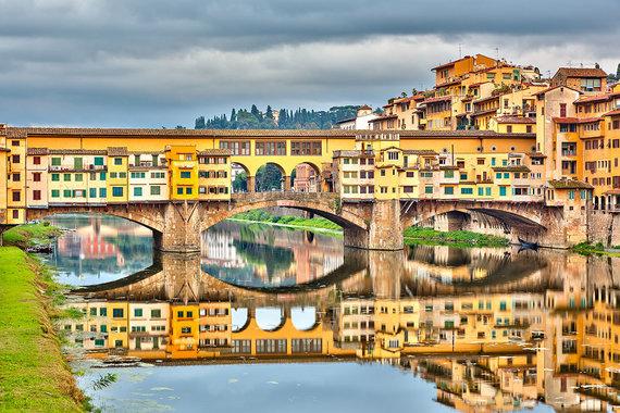 Shutterstock.com nuotr./Ponte Vecchio tiltas Italijoje