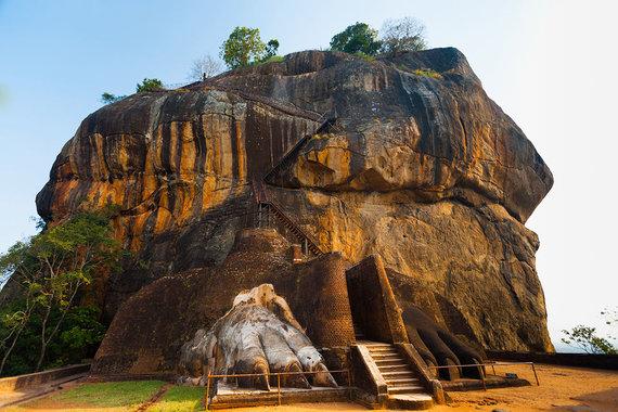 Shutterstock.com nuotr./Sigirijos uolos laiptai, Šri Lanka