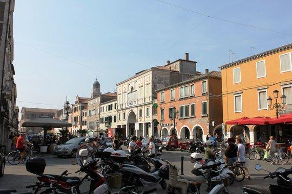 D.Loher nuotr./Rytinis šurmulys Corso del Popolo gatvėje