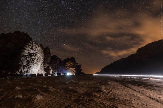 Vadi Rumo dykuma naktį (nuotr. Giedriaus Akelio, spot-on.lt )