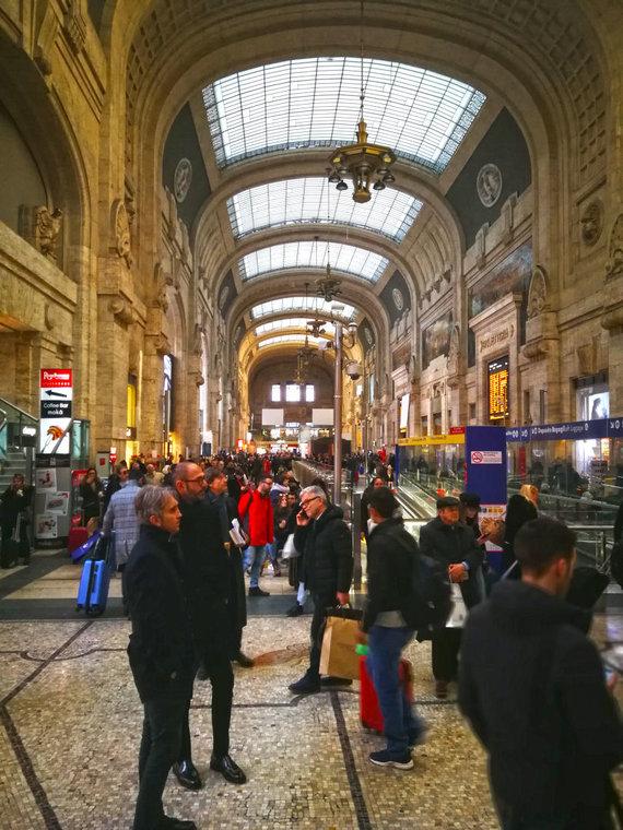 Sandros Galdikaitės nuotr./Milano traukinių stotis iš vidaus