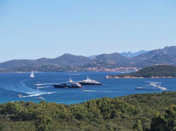 Asm.archyvo nuotr./Smaragdinė Sardinijos pakrantė