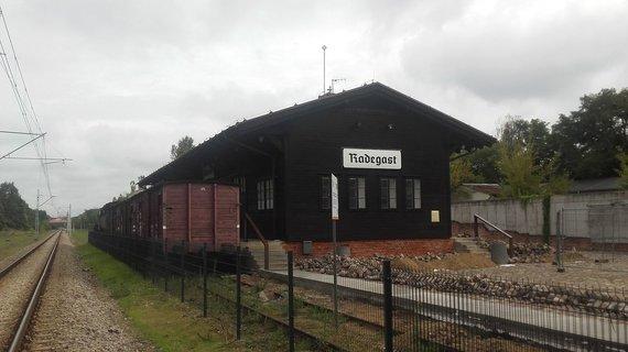 V.Mikaičio nuotr./Radegasto traukinių stotelė