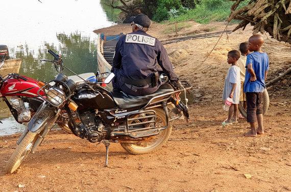 D.Pankevičiaus nuotr./Kelionė iš CAR į Kamerūną