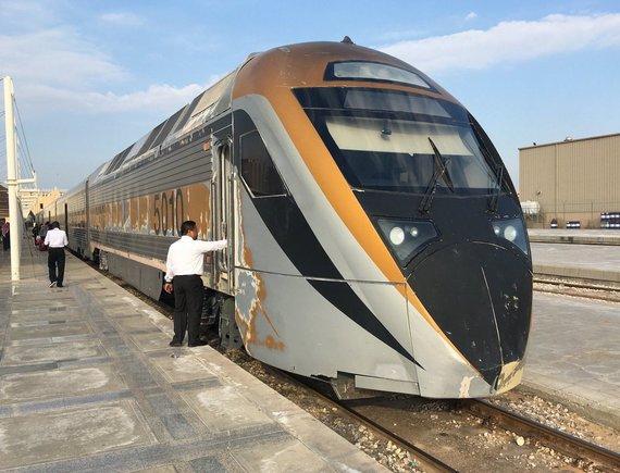 R.Pogorelio nuotr./Saudo Arabijoje patogu keliauti ir traukiniu