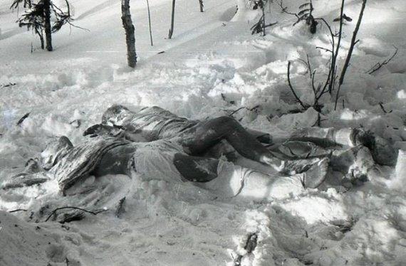 Sovietų Sąjungos archyvų nuotr./Dorošenkos ir Krivoniščenkos kūnai