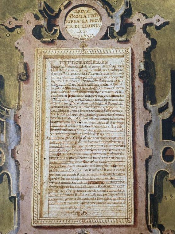 """R. Šlepavičiaus ir knygos """"Sala Delle Carte Geografiche in Palazzo Vecchio"""" nuotr./Lietuvos ir Livonijos žemėlapis ir kartušas žemėlapyje su minėtų šalių aprašymu"""