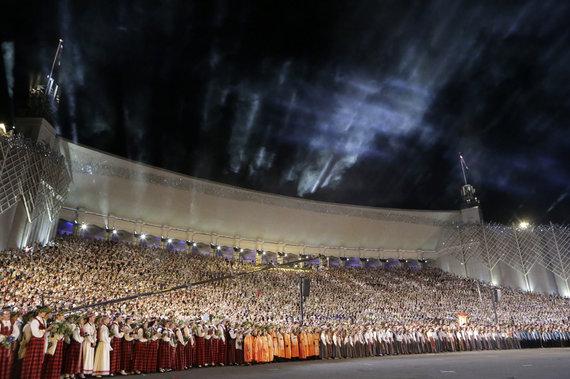 """""""Reuters""""/""""Scanpix"""" nuotr./Visuotinė latvių dainų ir šokių šventė"""