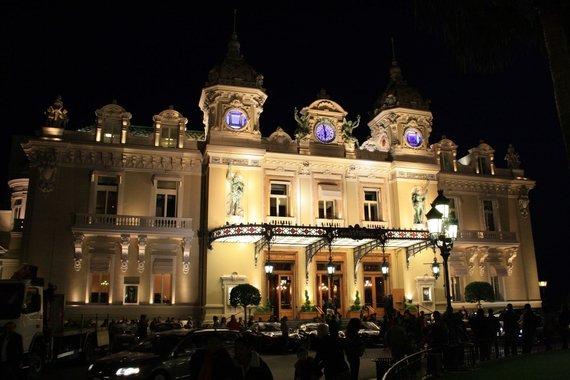 V.Mikaičio nuotr./Monte Karlo lošimo namų vaizdas vakare