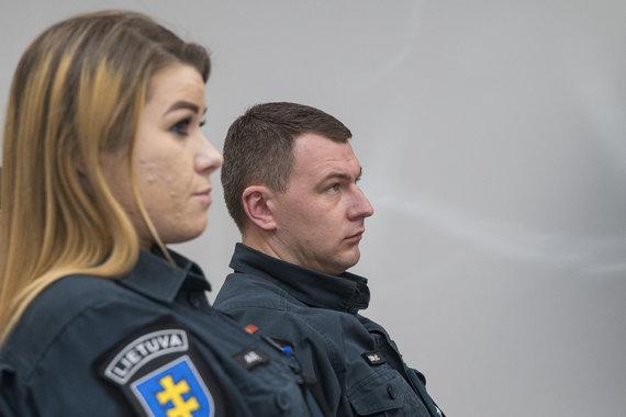 Roko Lukoševičiaus / 15min nuotr./Egidijaus Dragūno automobilį vijosi šis tyrėjų ekipažas: pareigūnai liudijo teisme