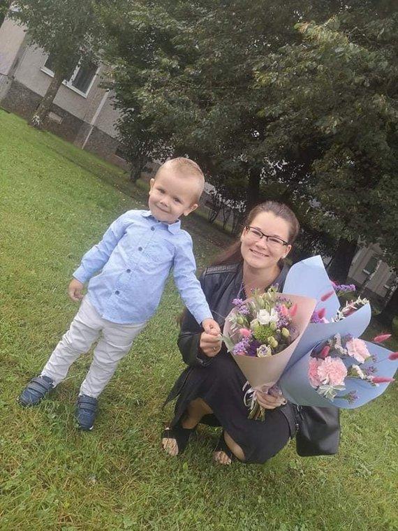 Asmeninio archyvo nuotr. /Ikimokyklinio ugdymo pedagogė Aušra Zujeva su sūnumi