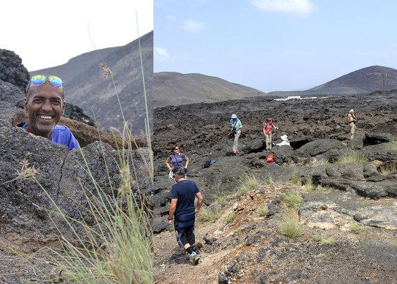 """Kelionių organizatoriaus """"GRŪDA""""/Kairėje – vietinis gidas, dešinėje – """"GRŪDOS"""" keliautojai lavos urvuose, Džibutis"""