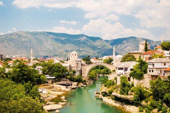 Shutterstock nuotr./Mostaro miesto ir Neretvos upės vaizdas, Bosnija ir Hercegovina