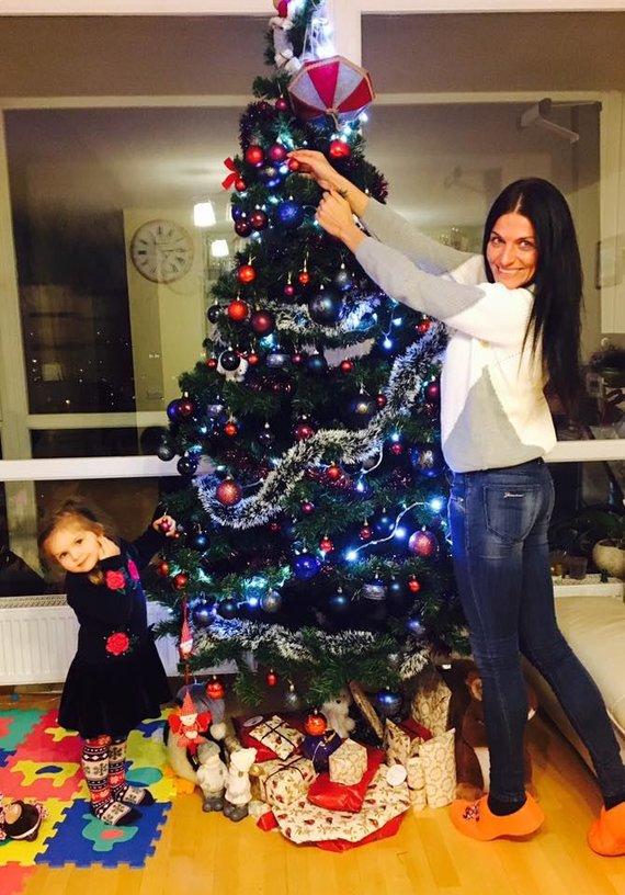 Asmeninio albumo nuotr./Diana Lobačevskė su dukra Atėne
