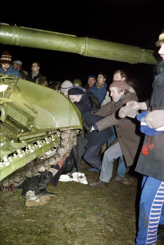 """AFP/""""Scanpix"""" nuotr./1991-ųjų m. sausio įvykiai"""