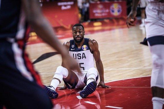 FIBA nuotr./Amerikiečiai – ant menčių