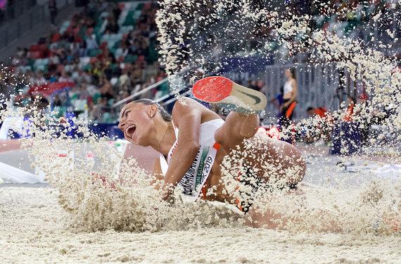 nuotr. Tomo Gaubio/Antra geriausia sporto nuotrauka Lietuvoje – ukrainietės Marynos Bech-Romančuk šuolis