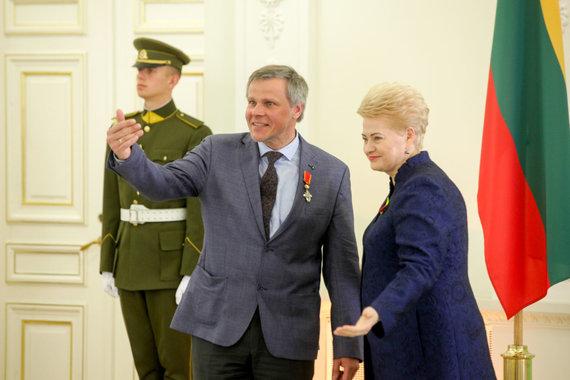 Vidmanto Balkūno / 15min nuotr./Prezidentūroje apdovanotas G.Karosas.