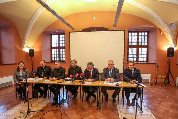 Vidmanto Balkūno / 15min nuotr./Spaudos konferencija apie popiežiaus vizitą Lieuvoje