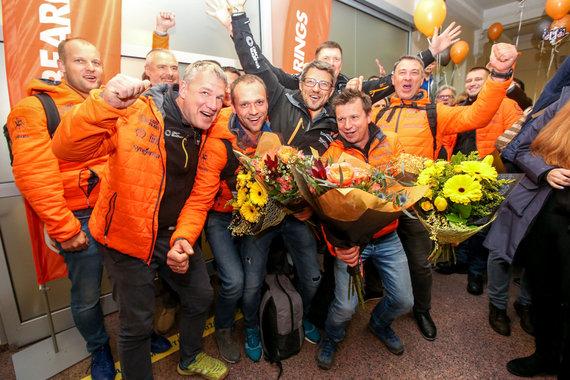 Vidmanto Balkūno / 15min nuotr./Į Lietuvą sugrįžo Dakaro ralio dalyviai