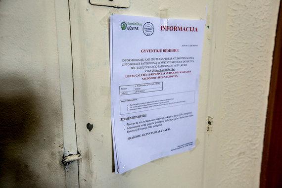 Vidmanto Balkūno / 15min nuotr./Sostinės Karoliniškių rajone atjungiami liftai