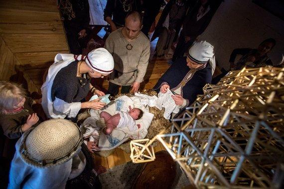 Vidmanto Balkūno / 15min nuotr./Kūdikio vardynos vykstančios pagal senąsias baltų tradicijas