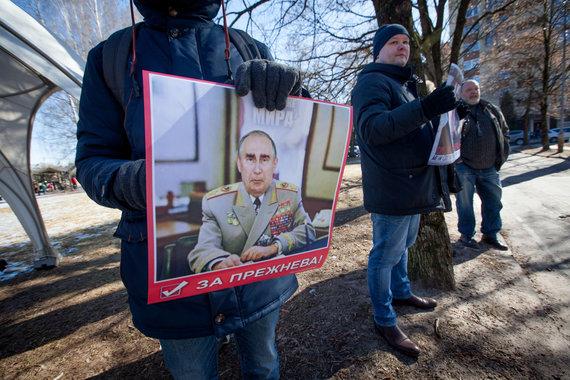 Vidmanto Balkūno / 15min nuotr./Prezidento rinkimai Rusijos ambasadoje Lietuvoje