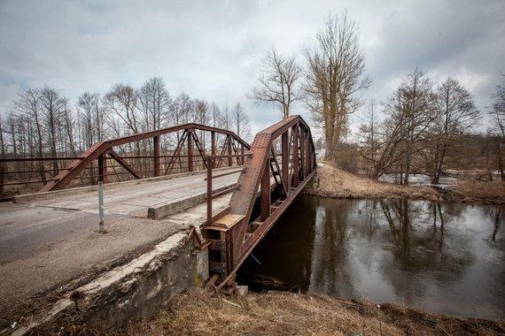 Vidmanto Balkūno / 15min nuotr./Suplanuotas nugriauti istorinis Kazbėjų tiltas per Vokę