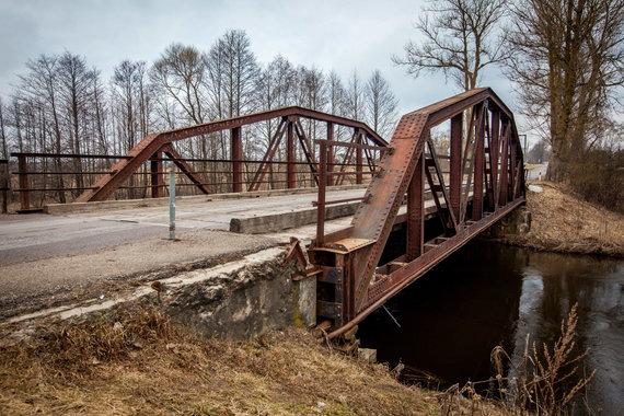 Vidmanto Balkūno / 15min nuotr./Suplanuotas nugriauti senas Kazbėjų tiltas per Vokę