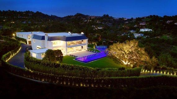 """""""Coldwell Banker"""" nuotr./Malibu parduodamas prancūziškos architektūros įkvėptas prabangus namas"""
