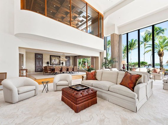 Douglas Elliman Real Estate nuotr./Parduodamas prabangus namas Floridoje