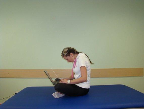 SHS centro nuotr./Netaisyklinga kaklo pozicija, judesio korekcijos specialistė Inga Šimkutė