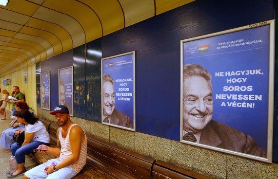 """""""Reuters""""/""""Scanpix"""" nuotr./Prieš George'ą Sorosą nukreipta reklaminė kampanija Vengrijoje"""