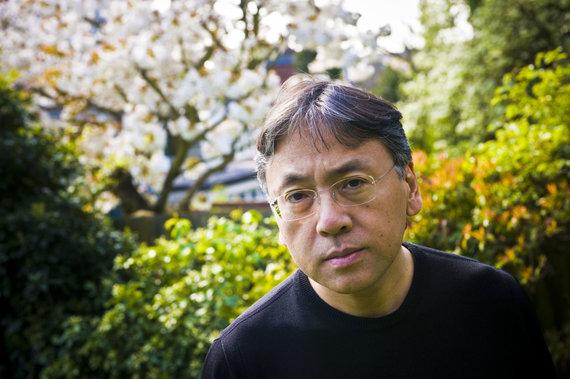 Vida Press nuotr./Nobelio literatūros premijos laureatu praėjusiais metais paskelbtas Kazuo Ishiguro