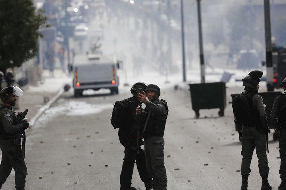 """""""Scanpix""""/AP nuotr./Susirėmimai Vakarų Krante po D.Trumpo pripažinimo, kad Jeruzalė – Izraelio sostinė"""