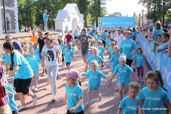 """""""Unicef Lietuva"""" nuotr./Jubiliejų švenčianti """"Unicef Lietuva"""" vaikų bėgimu sujungs net 5 miestus"""
